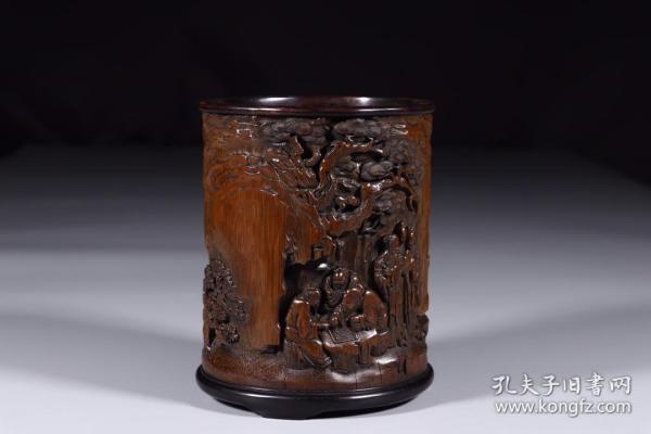 清代:竹雕东山报捷笔筒