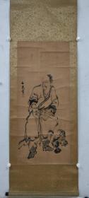 谷文晁《仙人图》纸本锦裱木轴,保老保手绘作品。尺寸:119 x 52 cm。谷文晁(1763~1841),日本江户时代的著名画家。曾广泛学习狩野派、圆山派、南画(水墨画)及西洋画法,并将各画种的表现手法相互借鉴,从而形成自己的风格。其曾为《集古十种》图录做插图,还曾游历各地画出大量风景写生画。弟子中有田能村竹田、渡边华山、谷文一、谷文二。谷文晁:江户时代名画家,名正安,又名文五郎,字文晁。