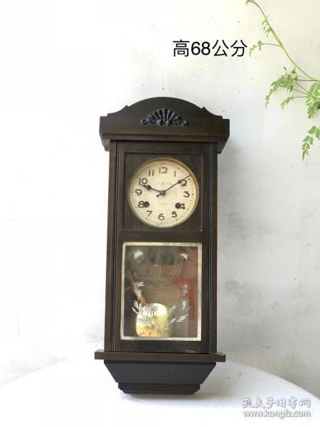 建国初期老挂钟  建国初期,五十年代公私合营时期全品包老保真,游丝音簧,走打,收藏美品,高68cm。