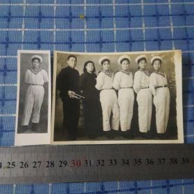 五十年代美女海军照片二张