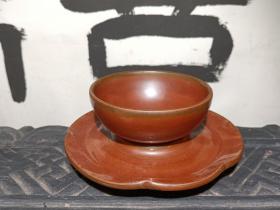 山西紫金釉瓷器 紫金釉茶托+茶盏 茶碗  喝茶利器 全品紫金釉 瓷器 釉水发色超一流 直径11.3cm 高5.3cm。 本交易仅支持、邮寄