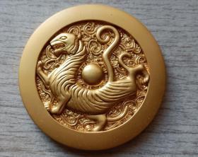 2010年中国投资担保有限公司生肖(汉瓦虎神-虎)镀金纪念章