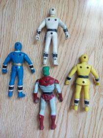 出三个奥特曼某战队人偶模型(绿头发模型 已出)