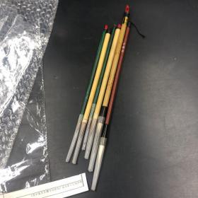 3533老毛笔 老毛笔六支 都是没用过的 其中一支是石獾笔毛 很是少见 都是没用过的老毛笔 如图