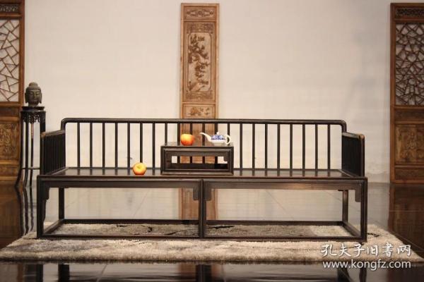 榉木明式床榻带茶桌一套,尺寸  长200,宽80,总高78,坐高43,做工精细,匠心之做,可置雅室,会所,茶室,客庭摆放。    现  底 价!出售!