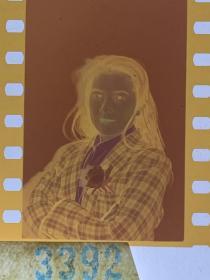 3392 年代老照片底片  长春电影制片厂演员 男扮女装 反串