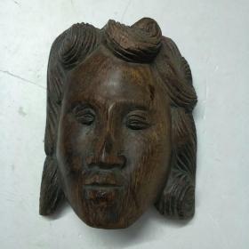 红木雕人物像