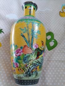 花鸟纹粉彩棒槌瓷瓶