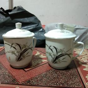 七八十年代景德镇兰草茶杯2个