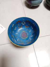 款民国陈盛隆制瓷。具体制造年代未知,第一次收到这样的瓷器,具体何时所造无从知晓。釉色和图案都值得研究,喜欢的来买,售出不退.