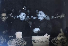 蒋梦谷 (1905-1987)老照片,字启生,号石庵,江苏常熟人。