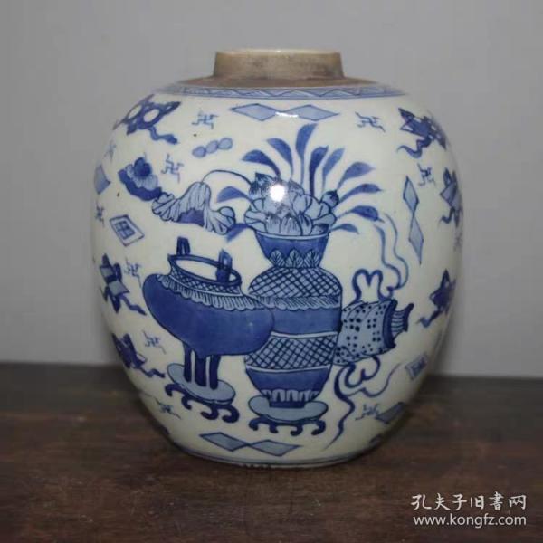 民国青花博古花卉罐