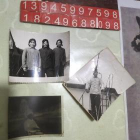 上世纪七十年代 黑白照片两张一个底版(合售)