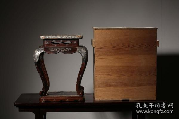 海外回流 木胎漆器嵌螺钿花卉纹束腰香几(附木箱)