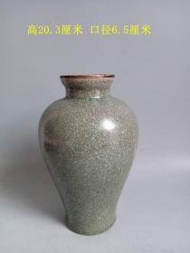 乡下收的宋代传世汝窑包口瓷赏瓶   . .
