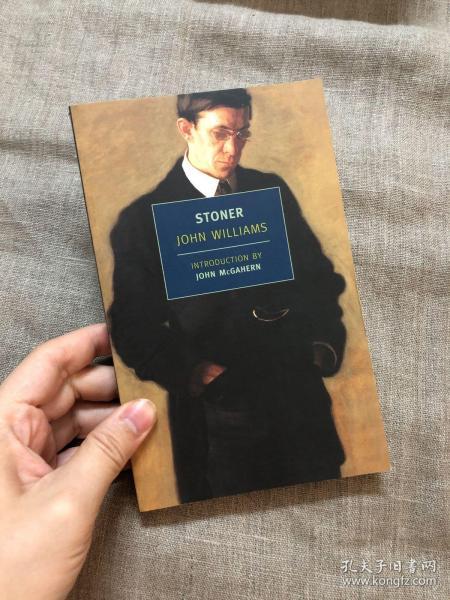 Stoner (New York Review Books Classics) 斯通纳【英文版,纽约书评的经典系列平装本都是无酸纸印制】
