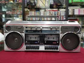 日本原装SANYO三洋收录机(录音机)