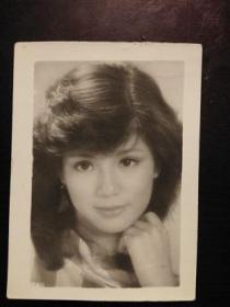 老照片:八十年代影星照-翁美玲