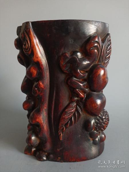 清代花梨木笔筒,纯手绘雕刻,雕刻精制,美观实用,