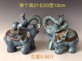 纯铜景泰蓝大象摆件一对,寓意着《吉祥如意》 纯手工打造,造型别致,工艺精美,品相完整,适合摆放收藏