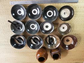 黑釉酒碗(每个30元)瓷罐,黑匙勺。
