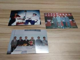 武汉大学老教授张培刚彩照三张(与教育部长陈至立合影这张尤其稀见),品好包快递发货。