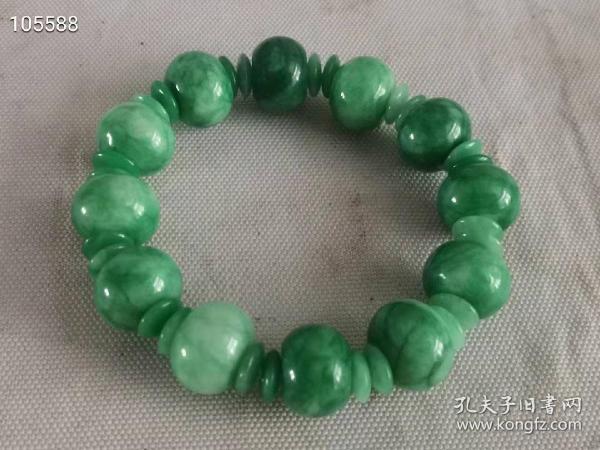一串民间旧藏晚清民国时期的六棱形桶珠串成桶珠,大户人家珍藏下来手饰物件,特绿翡翠手串