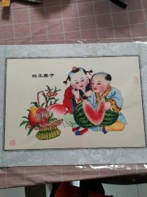 杨柳青年画 掰瓜露子(带签章,收藏价值高。两个娃娃掰开一个大西瓜,黑籽颗颗露出,旁有一花篮,内放一石榴和桃,寓意子子孙孙多福多寿,世世代代繁衍绵长。)