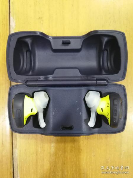 BOSE(博世)无线耳机,带充电盒,无数据线