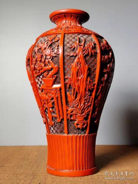 收藏剔红漆器花瓶高28厘米