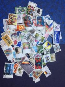 德国信销邮票100枚  (3)                                             (大部分是70年代和80年代的 无重复)店铺福利优惠邮票 邮票类多购付一次运费即可,付款前私信后台改价