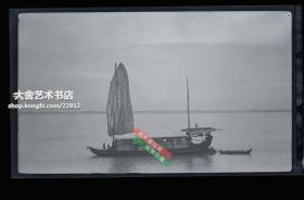 民国原版银盐照片底片一张,民国长江扬子江漂亮的篷子帆船和江岸天际线