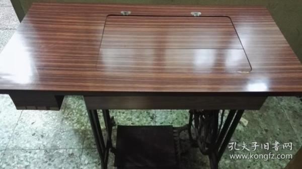 速自提:老年间天津蝴蝶牌缝纫机一台,请看图片,功能正常