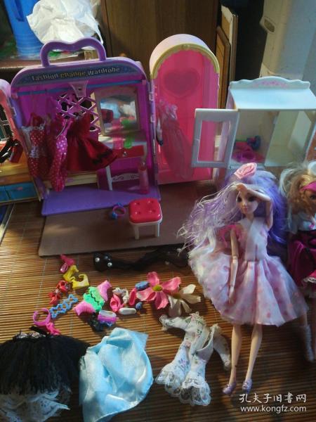 可儿芭比娃娃家庭系列套装玩具