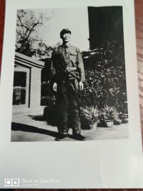 著名表演艺术家:蓝天野老照片一张12cm×8cm