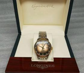 浪琴手表(正常使用)手表重139g,盒子证书发票