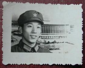 老照片:解放军——史卫民。上海警备区83310部队68分队。看背题。【陌上花开系列】