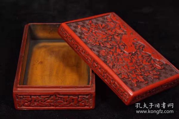 漆器剔红雕花盒子长12.5厘米