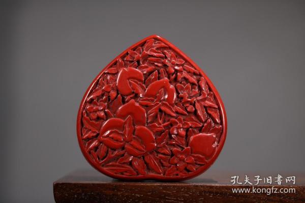 漆器剔红寿桃纹首饰盒