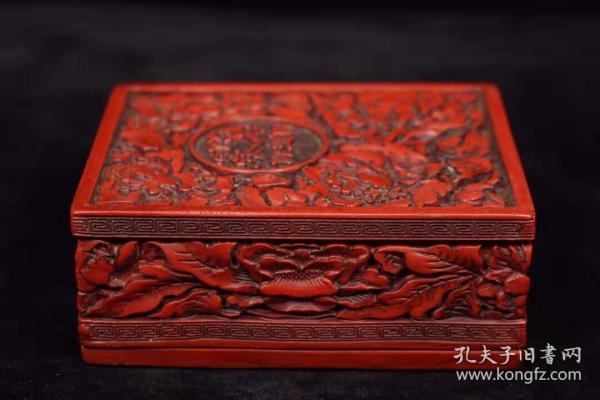 漆器剔红雕刻盒子长9.5厘米