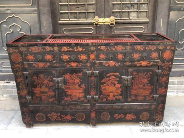 旧藏老胎漆器算盘条柜,双龙图案,包浆醇厚,长166厘米,宽55厘米,高96厘米。31号。    5999