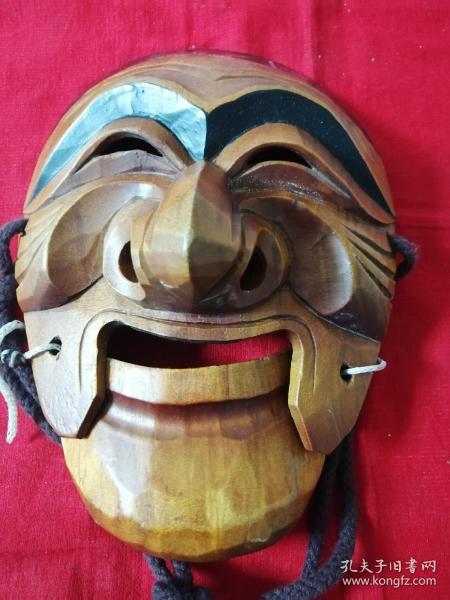 木雕面具挂件(地下室小柜子上方布袋子存放)