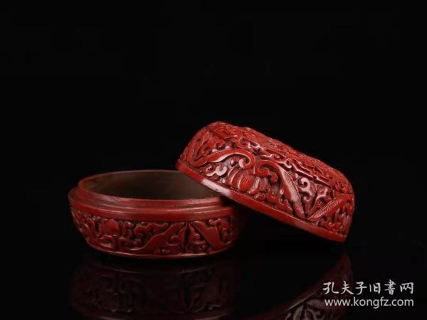 收藏剔红漆器首饰盒