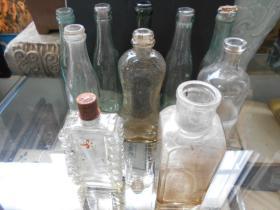 【民国玻璃瓶,10个合卖】上海金城工艺社,天然制墨,等