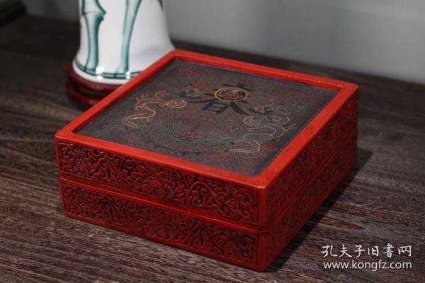 剔红漆器收纳盒 高9cm    宽23cm 重1990克 650
