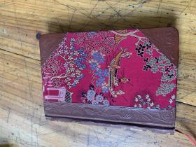 4423:老的红布面学生牌 笔记簿,每页都有图案