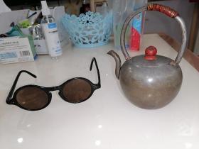 清代锡制茶壶,品好完美。底有款