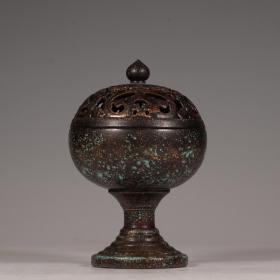 古铜釉香薰炉。