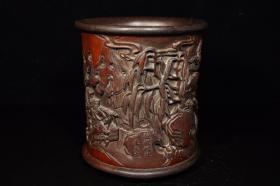竹子雕工镶嵌木底木口笔筒,重395克,钟馗嫁妹