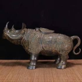 青铜犀牛尊